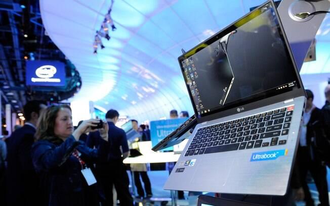 Ultrabook da LG, Z330, é exposto na CES 2012