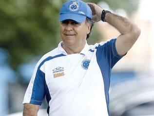 Firme e forte. Marcelo Oliveira ainda não tem contrato assinado para o ano que vem, mas a tendência é permanecer na equipe celeste