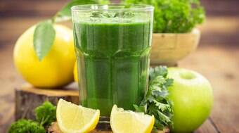 9 sucos naturais que funcionam como remédios caseiros; confira