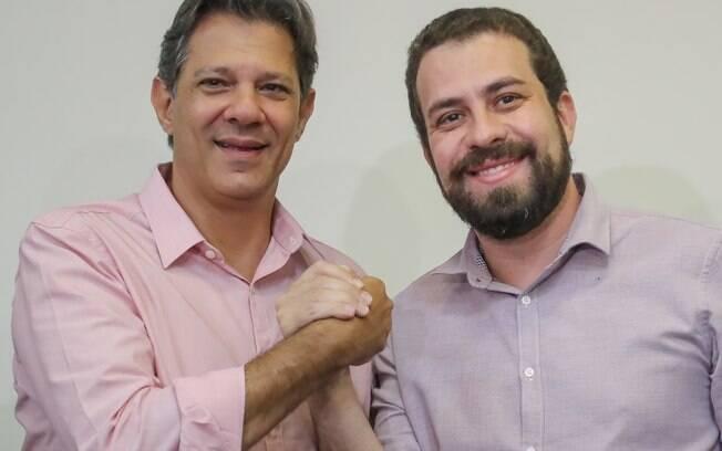 Fernando Haddad (PT) ao lado de Guilherme Boulos (PSOL)
