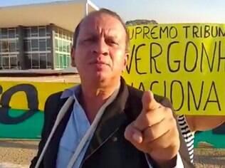 Renan Sena líder do acampamento Patriota