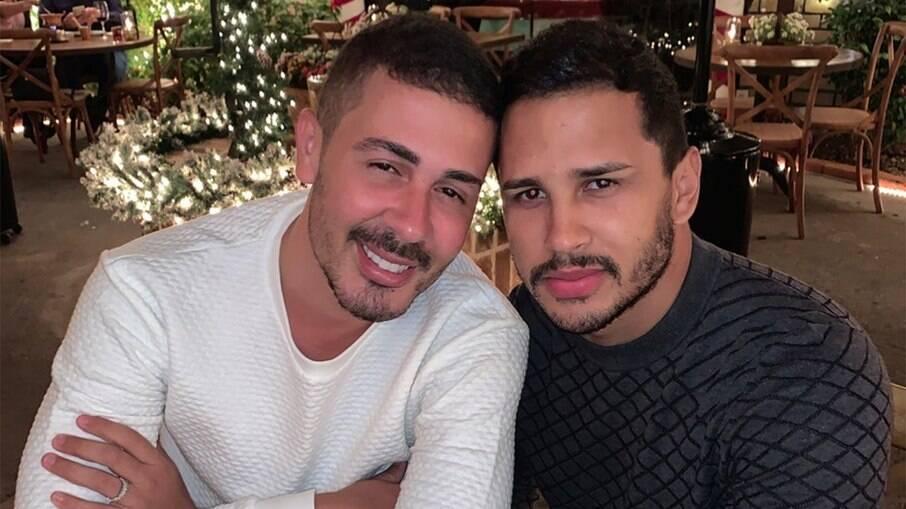 Lucas Guimarães conta que amigos estavam apresentando outros homens a Carlinhos Maia