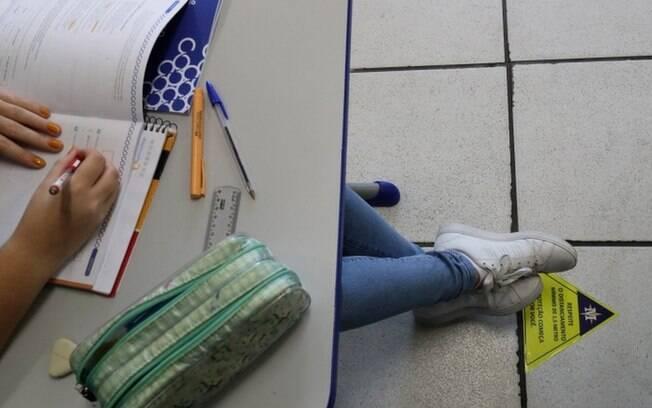 Aula presencial em São Paulo com distanciamento social, em novembro; evasão escolar é uma das maiores preocupações de especialistas no ano letivo de 2021