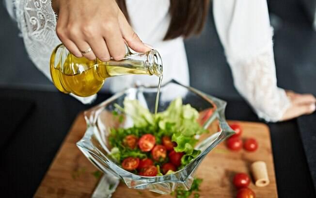 Apostar em uma dieta cetogênica, que consiste no consumo mínimo de carboidratos, é a melhor forma de emagrecer