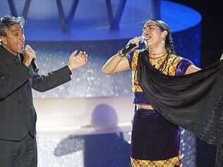 Ao lado de Lila Downs, Caetano Veloso cantou o tema do filme