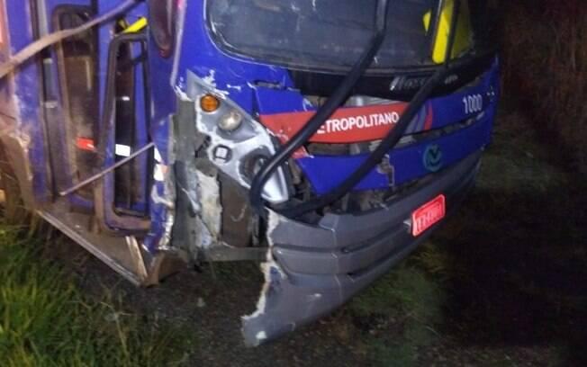 Colisão entre moto e ônibus deixa uma morta em Santo Antônio de Posse