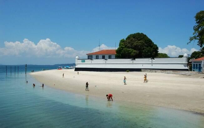 Ilha de Itaparica é cercada de praias de areias claras e mar limpo