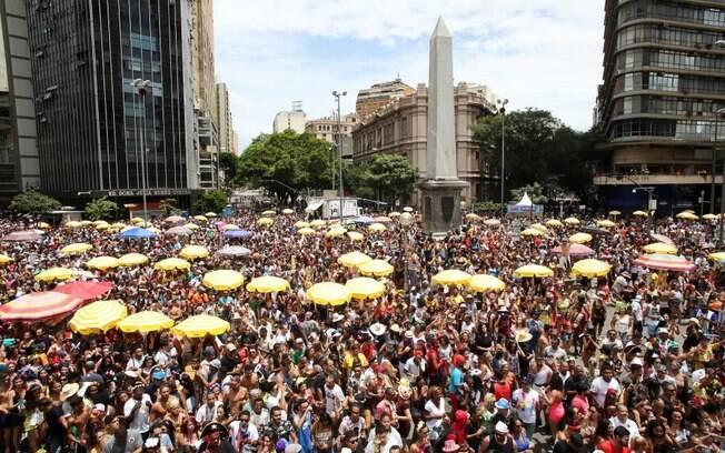 O carnaval em Belo Horizonte tem 23 dias de festa e muitos blocos pelo centro