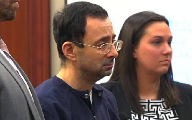 O médico Larry Nassar durante o  julgamento