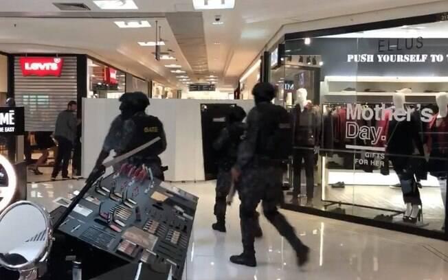 Funcionária é feita refém por um homem armado com uma faca no Shopping Pátio Paulista