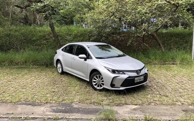 Toyota Corolla GLi: versão mais em conta  tem seus méritos, mas poderia gastar menos combustível e ter acabamento mais caprichado