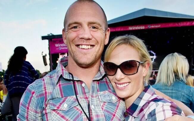 Zara Phillips e Mike durante um evento, no dia primeiro de julho deste ano