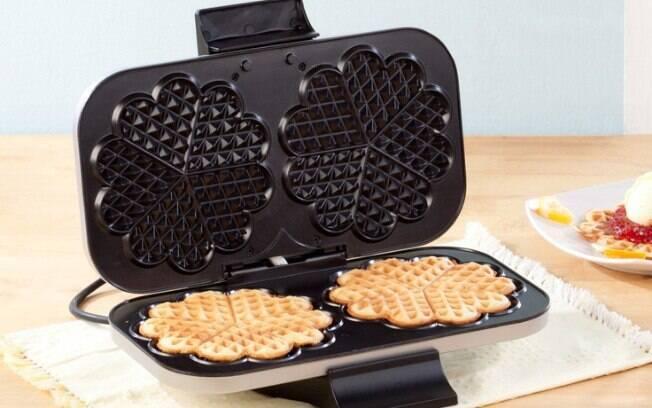 Quer fazer um café da manhã elaborado ser perder muito tempo? A máquia de waffle é uma saída