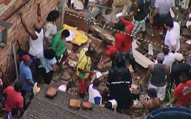 Desabamento de prédio em Salvador deixa uma criança, um bebê e dois adultos mortos; todos da mesma família