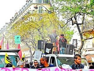Greve dos artistas intermitentes na França ameaça vários eventos