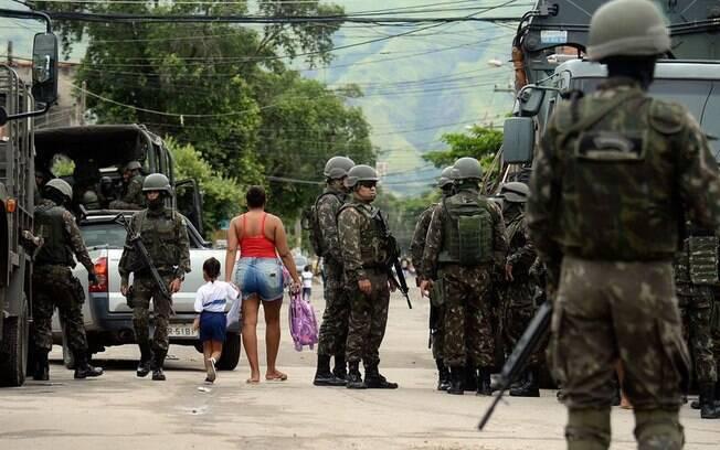 ONGs consideram intervenção federal das Forças Armadas no Rio de Janeiro inconstitucional