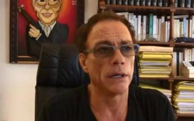 Jean-Claude Van Damme se explica sobre comentário homofóbico