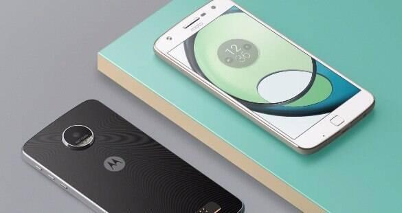 Com bateria potente, Moto Z Play é smartphone que não te deixa na mão