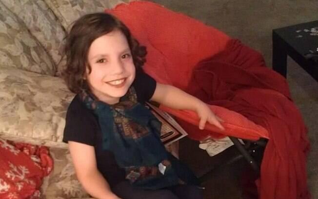 Pais adotivos afirmam que Nathalia Grace é, na verdade, uma mulher de 22 anos