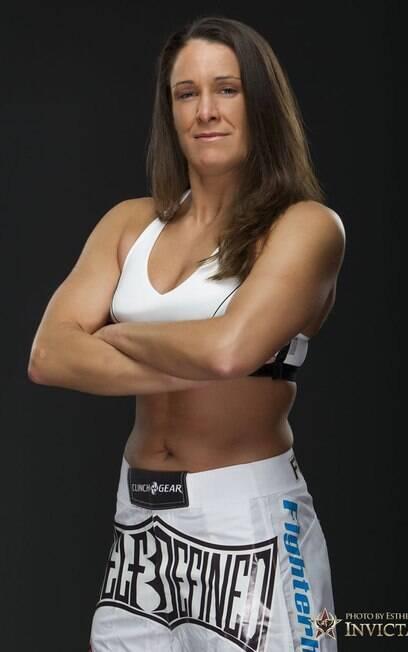 Tara LaRosa é uma experiente lutadora de MMA
