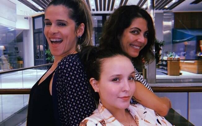 Larissa Manoela e Ingrid Guimarães se encontram com Thalita Rebouças para gravação de