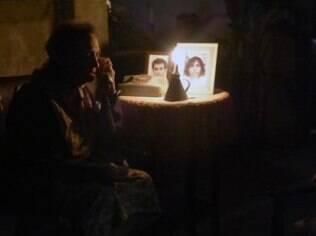 Jesuína (Laura Cardoso) está enganando Zé Alfredo em 'Império'