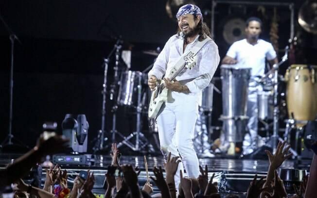 Bell Marques grava DVD solo em Fortaleza