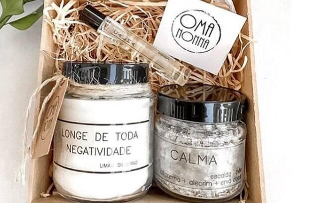 O Kit Calma traz velas aromáticas e óleos essenciais para relaxar