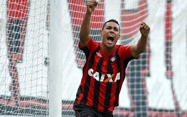 Atlético-PR buscou o empate em casa diante do  Londrina
