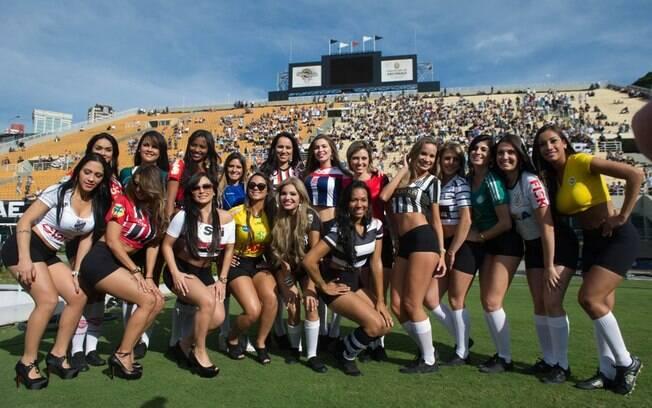 As musas do Campeonato Paulista desfilaram em  campo antes da decisão