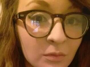 Poppy Smart cansou de ouvir assobios ao passar por uma construção no caminho do trabalho e denunciou os homens por assédio sexual