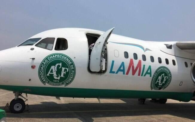 Aeronave que levava a delegação da Chapecoense da Bolívia para Colômbia tinha o escudo do clube