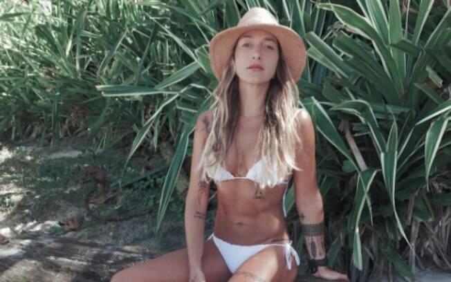 Gabriela Pugliesi deu detalhes de vida sexual em bate papo no Youtube