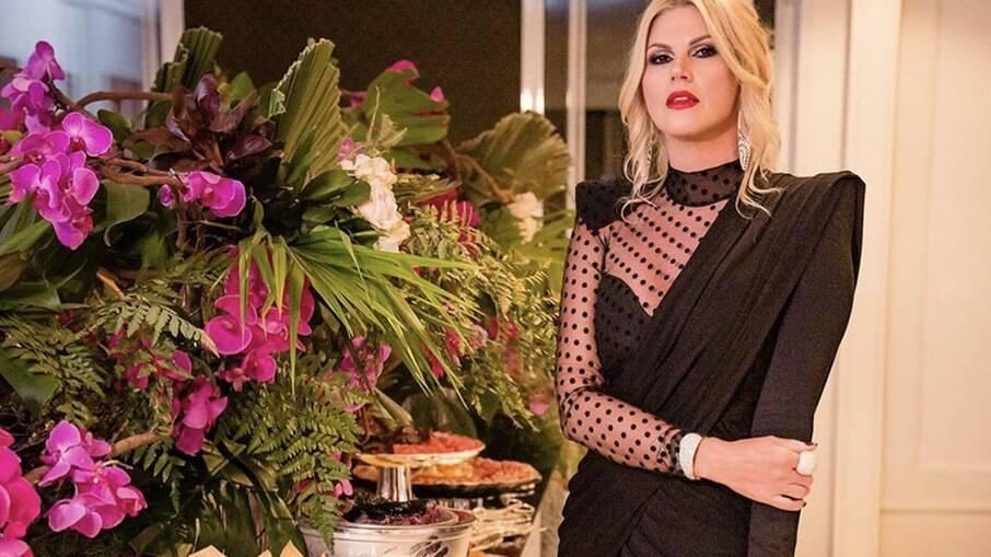 Val Marchiori comemora aniversário de forma intimista