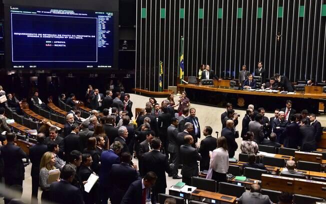 Deputados aprovaram o texto da PEC em 2º turno; após passar pela Câmara, matéria vai para apreciação no Senado