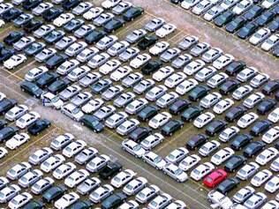 Indústria automobilística está oferecendo abono aos funcionários