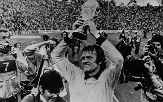 Sepp Maier foi o goleiro da seleção alemã  campeã do mundo em 1974