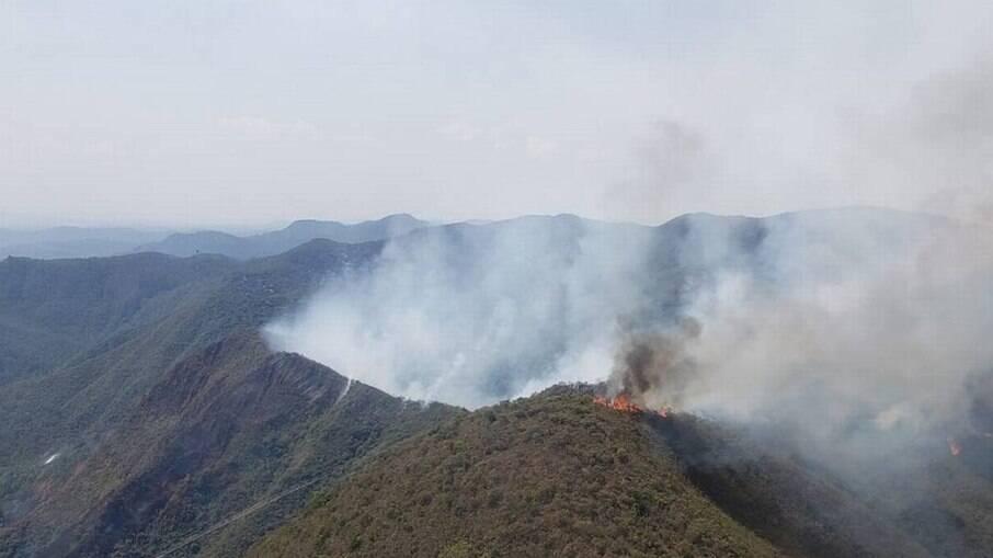 Incêndio atinge área de conservação ambiental em Belo Horizonte