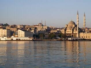 Cenário da novela Salve Jorge, Istambul está em alta entre os turistas