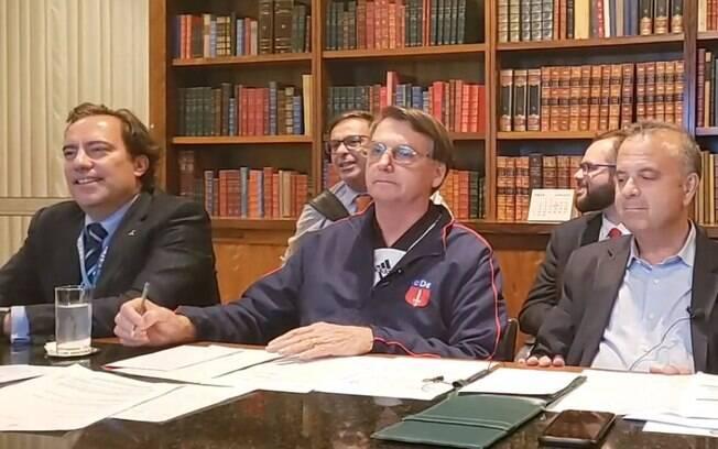 Frame da live realizada por Jair Bolsonaro