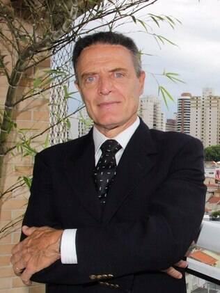 Antonio Riccitelli é advogado, consultor, professor, autor e comentarista político