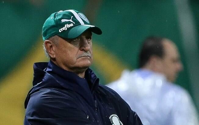 Por conta de impasse no pay per view, torcedores do Palmeiras exigem desconto em pacotes. Procon só responderá na segunda.