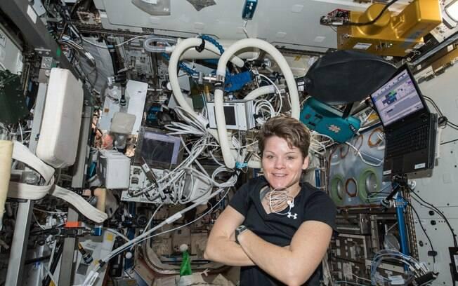 A astronauta Anne McClain é acusada pela ex-mulher de falsidade ideológica
