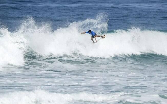O jovem Yago Dora foi a surpresa da etapa brasileira do Mundial de surfe