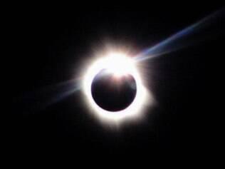 Sexta-feira terá eclipse solar total, equinócio e superlua