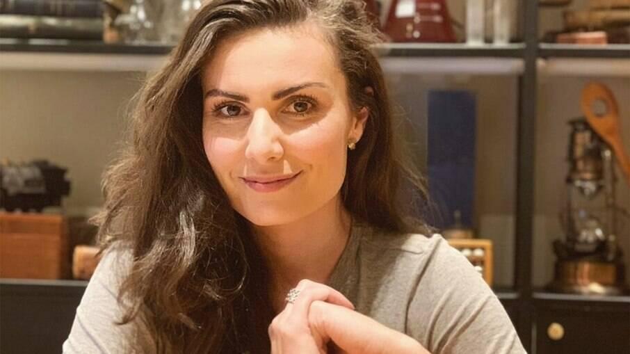 Nathalia Arcuri pediu demissão da RedeTV! após polêmica com Sikêra Jr.