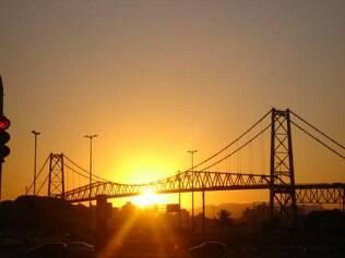 Ponte Hercílio Luz: o maior cartão-postal de Florianópolis
