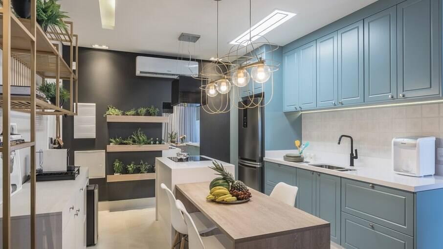 Saiba como fazer a cozinha ser a estrela da casa de forma funcional e charmosa