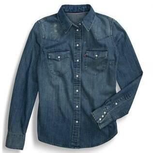 Camisa jeans é um clássico do guarda-roupa