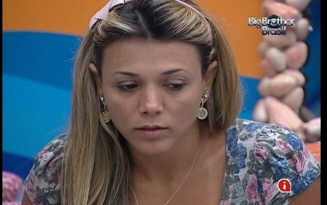 Fabiana não esconde a tristeza em seu último dia na casa